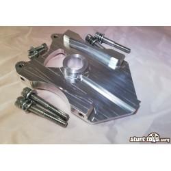 Mocowanie ALU HB 2x Radial + 1x oryginalny nożny 220mm GSX-R K5-K6 1000